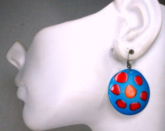 Turquoise Circle Earrings, Handpainted Round Metal Dangles, 1970s Red n Orange on Teal MOD