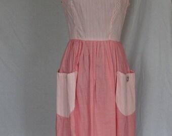 DRESS SALE / 1950s Dress / Pink and White Garden Party Frock Full Skirt Sundress / Metal Zipper