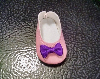 Doll Shoes that will fit a 14.5 inch doll. Fits the Wellie Wisher Doll. Modern Ballet Flats Embellished with Ribbons and Bows