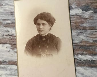 Portrait Photo . Vintage Photograph . Victorian Woman . Antique Photography . Vintage Ephemera . Vintage Cabinet Card . Vintage Photos .
