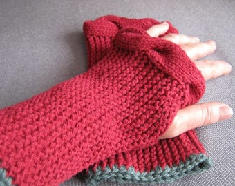 Rust color mittens
