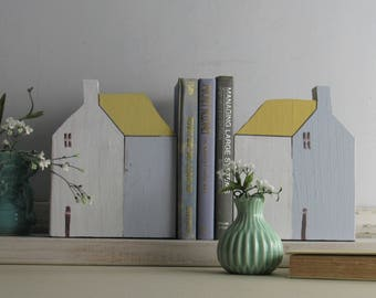 Bookends - handcrafted house bookends - set of 2 - House Sculpture - Lemon Pepper - bookends - simple decor