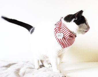 Bandana Red and white striped dog and cat with customizable tag