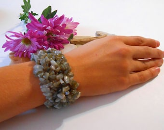 Stone Chip Bracelet   Labradorite Bracelet   Stone Bracelet   Woven Bracelet   Stretch Bracelet   Gemstone Bracelet   Boho   Bohemian   Gray