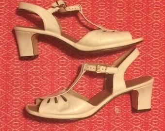 Penaljo white leather heels