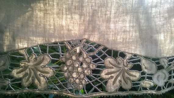 Victorian Gray French Metis Linen Runner Handmade Leaves and Grapes Hand Embroidered Cut Work #sophieladydeparis