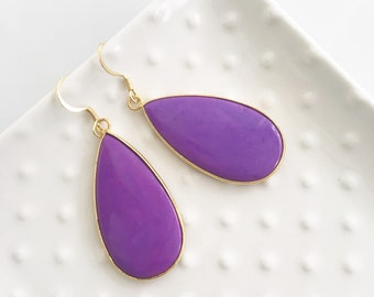 18k Gold Rich Purple Stone Earrings Set in Gold
