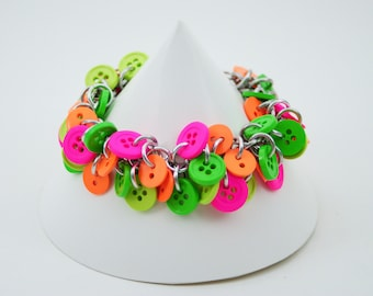 Shaggy Loops Neon Button chainmaille Bracelet