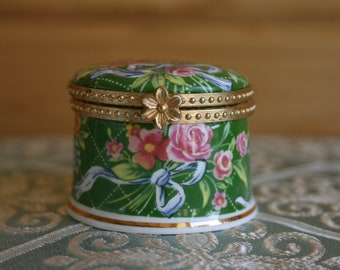 Collectable 'Fenton' fine bone china floral trinket box