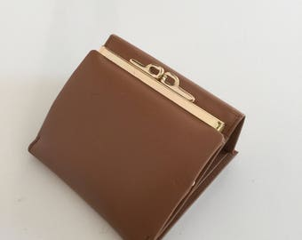 Vintage Honey Brown Wallet with Golden Kiss Closure Coin Pocket, Card Slots and Money Flap