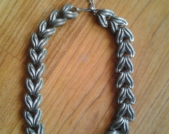 Early 1960s silvertone leaves necklace