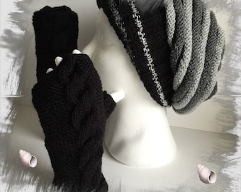 Set women/teens Hat wool spring and matching mittens, grey and black