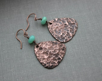 Copper Textured Triangle Earrings -  Darkened copper Hammered discs with green Chrysoprase gemstones - Bohemian style jewelry - boho