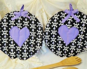 Skull Pot Holders/Halloween Pot Holders/Skulls and Hearts/Pot Holder Set/Quilted Pot Holders/Large Pot Holders/Hot Mat/ Skull Pot Holders