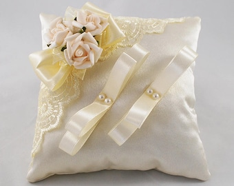 Ring pillow flowers Wedding pillow flowers Ivory ring pillow Ring bearer pillow Lace ring pillow Ivory ring cushion Bridal ring pillow