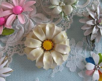 Enamel Flower Jewelry Lot Rhinestone Jewelry Lot Vintage Jewelry Pieces Craft Lot Jewelry Rhinestone Brooch Pieces