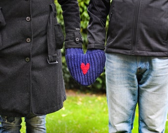 Blue mitten for him and her, Couples mitten, Romantic gift, Gift for the couple, Anniversary gift, Heart smitten glove