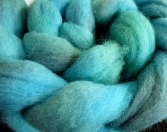 Sea Breeze - Spinning Roving Felting Top - Hand Dyed - Polwarth Wool - Sea Breeze - 5 oz