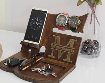 Tech Gifts for Men, Tech Gifts,Iphone Charging Station, Mens Wood Valet,Personalized Valet, Gifts for husband,Fathers Day Gifts, Iphone Dock