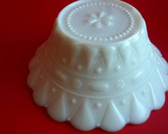 Milk Glass Decorative Bowl, White Glass With Scalloped Edge Bowl, Beach House Decor, Cottage Decor - B3