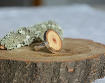 Wooden inlay ring, wood rich grain ring, sterling silver and spruce wood ring, big flat ring, sterling silver 925 adjustable size ring