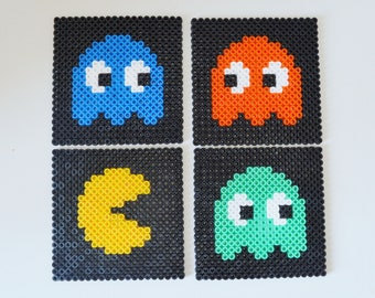Set of 4 Pacman coasters in pearls hama (handmade). 4 Pacman coasters hama beads (Handmade)