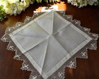 Vintage satin Ivoire mariage mouchoir en tissu, dentelle au Crochet 3448