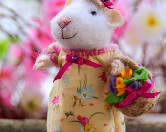 needle felted girl mouse withbasket of flowers, mouse with flowers, spring mouse, felt animal, felt mouse eco toy, felt mice