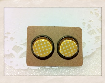 12mm Glass Yellow White Polka Dots Vintage Style Earrings