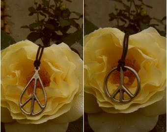 Peace necklace keychain freedom symbol,Peace Sign Necklace Rustic Gold,metal necklace peace on Earth,Peace keychain,Hippie keychain,Not war