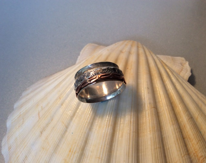 Sterling silver spinner ring with copper and silver band