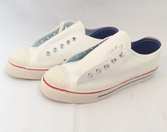 kids sneaker akron tennis shoe size 3.5