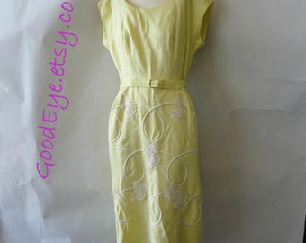 Vintage EDITH FLAGG Embroidered  Linen Day Dress / size 6 8 10 / 1950s Yellow White Wiggle Skirt Cap Sleeve / made USA