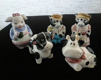 Vintage Ceramics - Salt and Pepper Shakers - Vintage Figurines - Country Kitchen Decor - Farm Animals - Pigs and Cows - Cow Statues