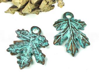 25%OFF Maple Leaf pendant Charm Green Patina Copper Mykonos Beads Greek textured Leaves Verdigris Charms European Metal Casting 2pcs