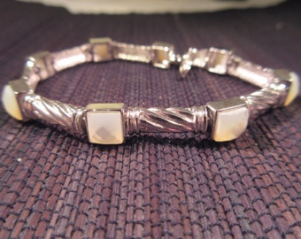 Beautiful Vintage Sterling Silver Mother of Pearl Bracelet