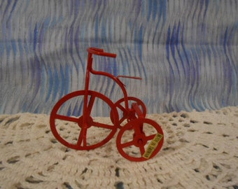 Miniature Red Metal Tricycle - Loose  -  Diorama  *Special -