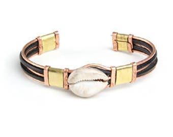 Metal Cowrie Shell Bracelet