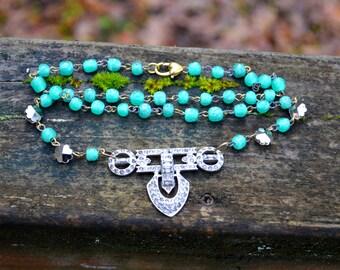 Collier art déco collier Antique strass Assemblage avec verre vert perlé chaîne assemblage fait à la main collier cadeau pour elle