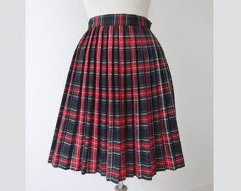 Cool Red Pleated Vintage Tartan Skirt // Size L  // Made In Portugal