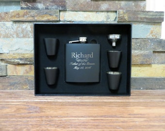 Personalized Flask Set with Shot Glasses, Groomsmen Gift, Best Man, Monogrammed Flask, Groom, Father of the Bride, Father of the Groom (652)
