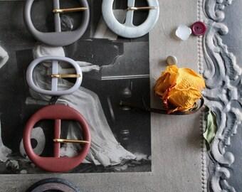 Vintage belt buckles to choose / 1960s / creative/sewing haberdashery, 46