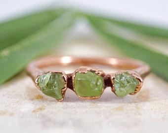Raw Peridot Ring • Rough Gemstone Ring • Raw Peridot Jewelry • August Birthstone • Triple Stone Ring • Gift for Daughter • Raw Stone Ring