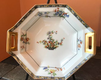 Theodore Haviland Octagonal Vegetable Bowl in the Montreux Pattern Circa 1920 Limoges France