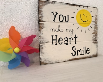 You Make My Heart Smile,hand-painted wood sign,sunshine,happy sign,sunshine sign,farmhouse decor,farmhouse,farmhouse style,uplifting sign