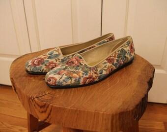 Vintage Floral Needlework Loafers