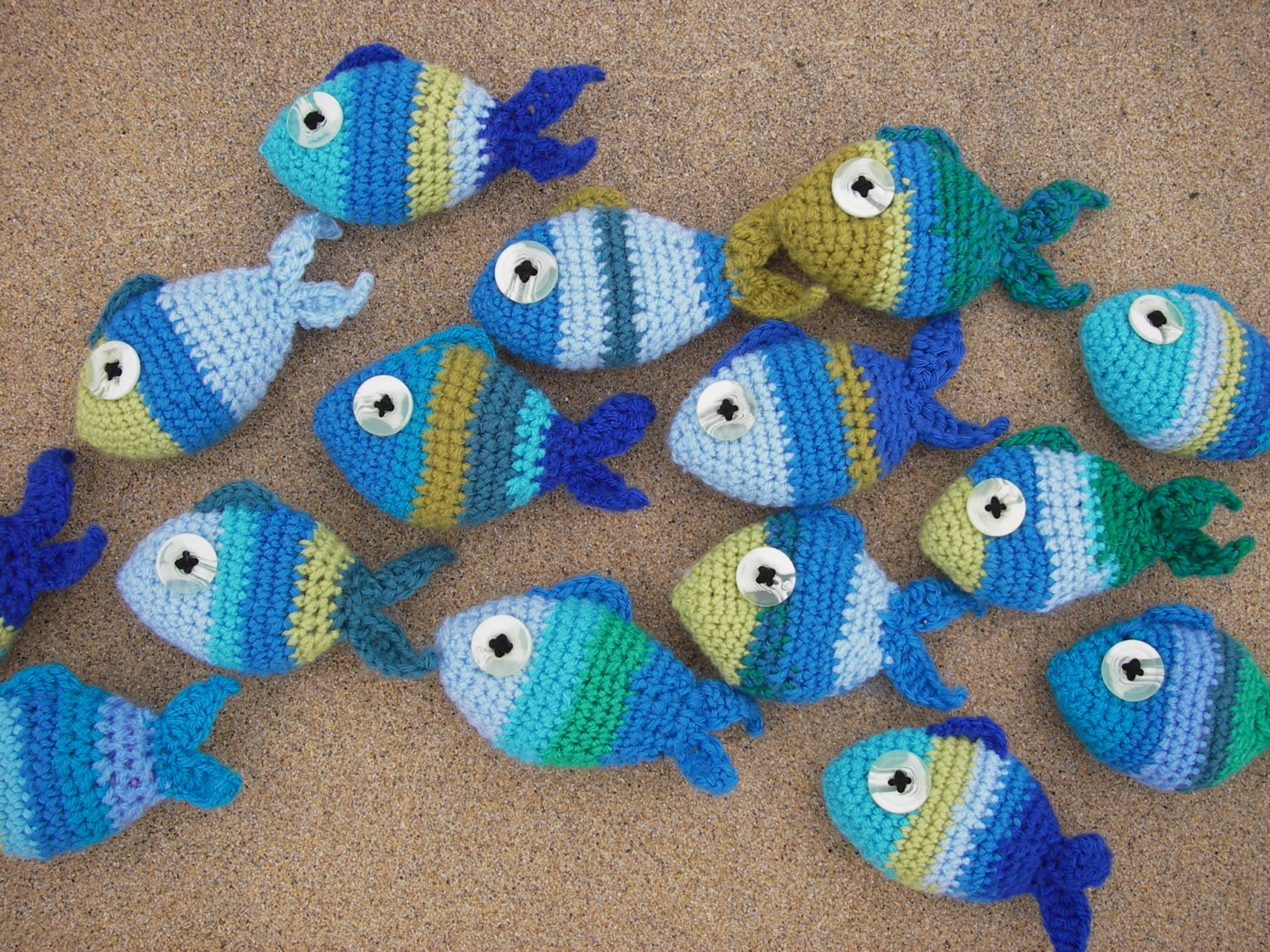 Amazing Knit Fish Pattern Frieze - Blanket Knitting Pattern Ideas ...
