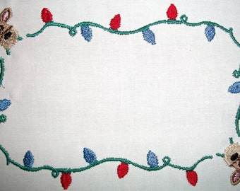 Christmas Lights & Reindeer embroidered quilt label, to customize with your personal message