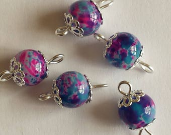 5 beads 8mm blue/fuchsia glass connectors