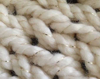 Knitted Ivory Chunky Throw